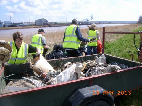 Trent Bank Clean Up (1)